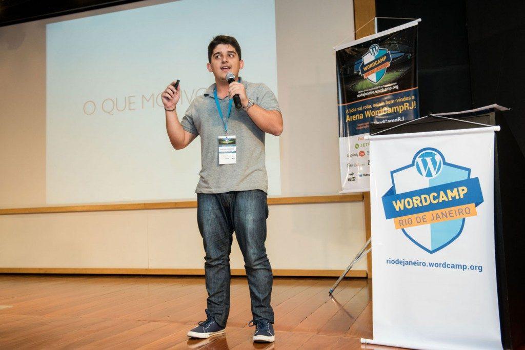 Vinícius Lourenço - Palestra sobre plugins para automatizações no WordPress - WordCamp RJ 2015, no Rio de Janeiro. Agosto/2015.