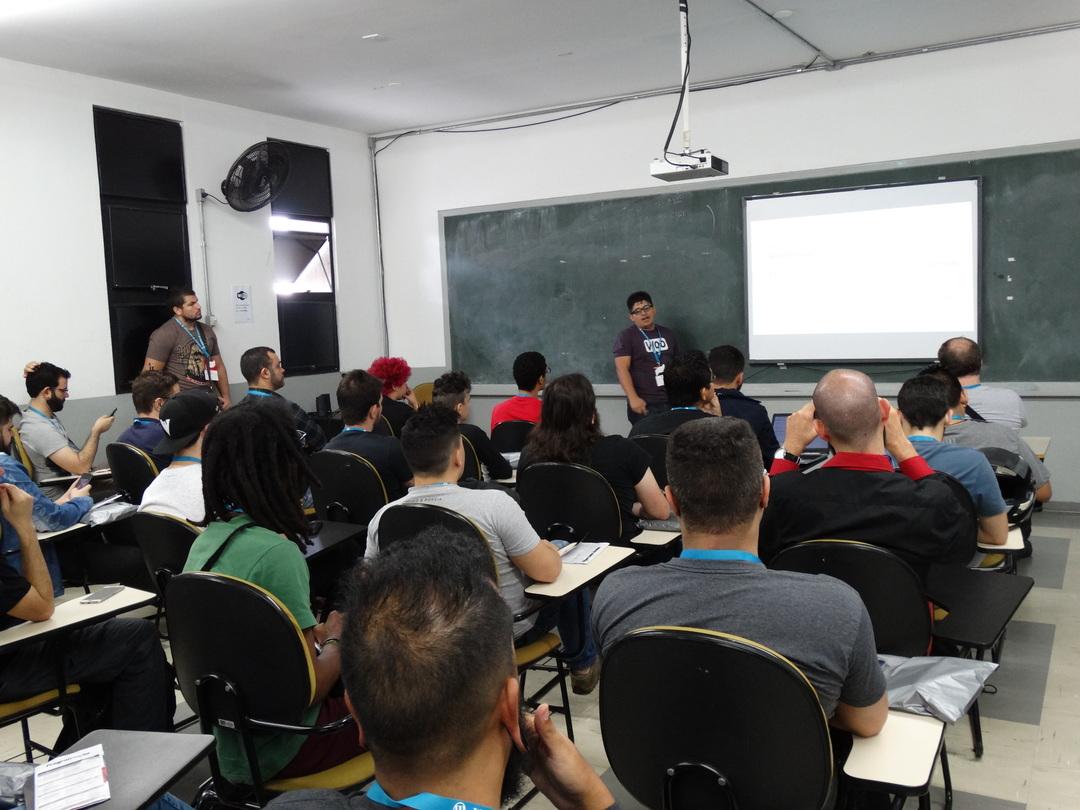 Vinícius Lourenço – WordCamp São Paulo 2017 – Palestra sobre Automatização de tarefas utilizando funções nativas de cron jobs do WordPress!
